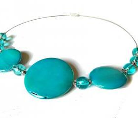 Sprayed shell necklace peacock collection blue