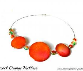 Sprayed shell necklace peacock collection orange